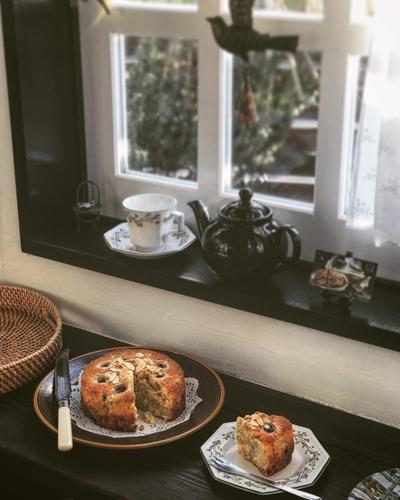 バナナ&アーモンドケーキを紅茶のおともに