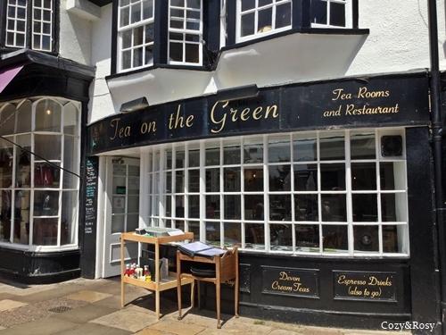 Tea on the green